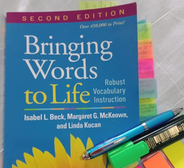May be an image of text that says 'SECOND EDITION Ower450,000mPrint! Over 450,000 in Print! Bringing Words toLife Instruction Robust Vocabulary IsabelL Beck, Margaret G. McKeown, and Linda Kucan'